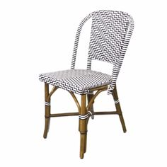 """Figure out even more relevant information on """"bistro furniture outdoor"""". Have a look at our site. Patio Dining, Patio Chairs, Bar Chairs, Side Chairs, Dining Chairs, Dining Room, French Bistro Chairs, Beach Living Room, Outside Room"""