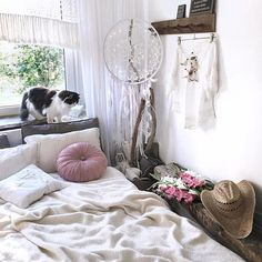 What's a beautiful sunny day☀️Hello my Lovely IG Friends and Welcome new Followers!Have a nice and very positive day!❤️ INSTAGRAM lavien_home_decor