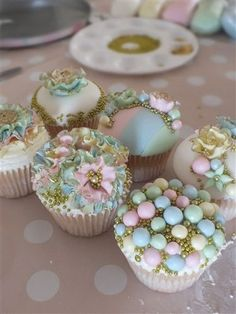 (via Gilt-ee Candee Cupcakes | ❤ Pale ~ Soft ~ Bekah ❤ | Pinterest)