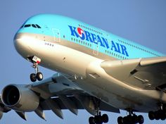 What a behemoth, Korean Air A380-861.