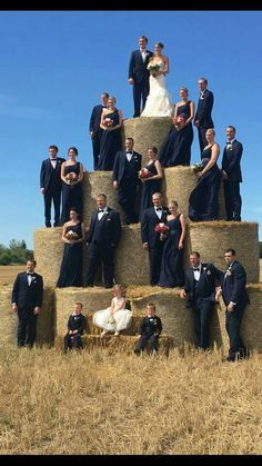 country wedding Creative hay stack wedding party p - Country Wedding Photos, Country Wedding Dresses, Wedding Themes, Wedding Pictures, Redneck Wedding Dresses, Wedding Colors, Wedding Venues, Wedding Dress Types, Country Weddings