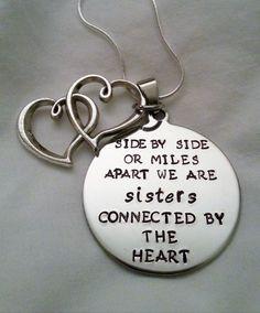 *um coração ((Lado a lado ou a milhas de distância estamos irmã conectados pelo CORAÇÃO))