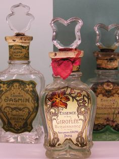 I have this new infatuation with antique perfume bottles and I think they're like... the perfect decorative item for any room. Window sill, on top of the tv, on top of the bookshelves... definitely need a few of these for the apartment