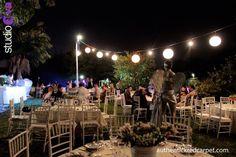 Juega con La iluminacion amarilla vintage y la contemporanea arquitectonica Led .El resultado sera una boda en Jardin de casa authenticka y genuina visita nuestra red social agregate por medio de www.authentickredcarpet.com