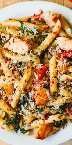 Chicken and Bacon Pasta with Spinach and Tomatoes in Garlic Cream Sauce – deli. Chicken and Bacon Pasta with Spinach and Tomatoes in Garlic Cream Sauce – delicious creamy sauce perfectly blends together all the flavors: bacon, garlic, spices, tomatoes. Chicken Bacon Pasta, Chicken Pasta Recipes, Roasted Chicken, Vegetable Pasta Recipes, Pasta Recipes With Chicken, Chicken Bacon Spinach Pasta, Bacon Pasta Recipes, Spinach Recipes, Recipe Chicken