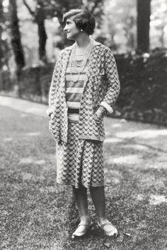 Portrait of Gabrielle 'Coco' Chanel, 1910-20 Lámina fotográfica en AllPosters.es