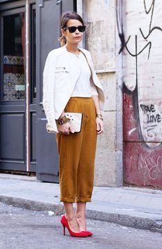 The Girl in Carmel Pants by Sara Escudero on Fashion Indie Coast Fashion, Indie Fashion, Look Fashion, Street Fashion, Fashion 2015, Paris Fashion, Office Outfits, Casual Outfits, Cute Outfits