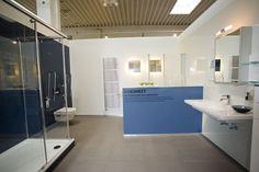 Bad, Bathroom Lighting, Bathtub, Mirror, Furniture, Home Decor, Bathroom Light Fittings, Standing Bath, Bathroom Vanity Lighting