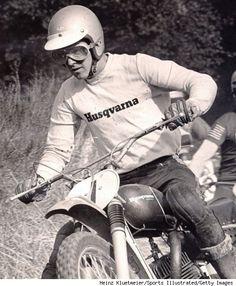 Vintage Husqvarna Jersey Sweatshirt On Any Sunday Steve McQueen / Malcolm Smith Enduro Motocross, Motocross Racing, Vintage Bikes, Vintage Motorcycles, Sports Illustrated, Eastman Leather, Off Road Bikes, Under The Hammer, Triumph Scrambler