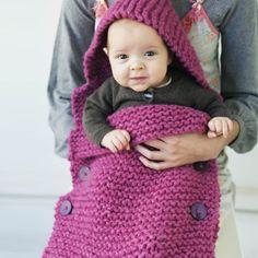 Heerlijke babyslaapzak verkrijgbaar als breipakket - je krijgt het patroon + de garens. Ook kan je uit verschillende kleuren kiezen - Wolplein.nl