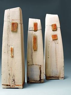No artist attribute given. Abstract ceramic sculpture.
