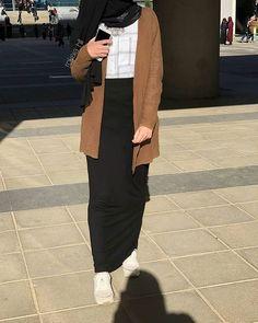 New Fashion Hijab Style Simple Muslim Ideas Modest Fashion Hijab, Stylish Hijab, Modern Hijab Fashion, Street Hijab Fashion, Casual Hijab Outfit, Hijab Fashion Inspiration, Hijab Chic, Trendy Fashion, Fashion Outfits
