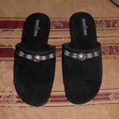 fa755a61bb07 Minnetonka Sandals - Up to 90% off at Tradesy