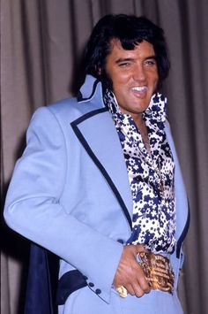 "June 9th 1972 and Elvis gave a press conference at 4.00 p.m. at the Hilton. Asked about his image as a shy, humble country boy, Elvis responded: "" I don't know what makes them say that"", and stood up to reveal the International Hotel gold belt under his jacket, with his father proudly beaming beside him. Afterwards Elvis performed at Madison Square Garden, New York"