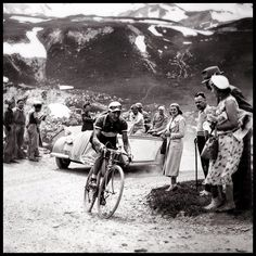 Salute our cycling heroes of old. #cyclinglife #roadcycling #procycling #cyclingshots #gwcycling