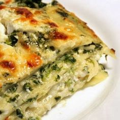 Spinach, Ricotta & Pesto Lasagna - A delicious and cheesy vegetarian lasagna