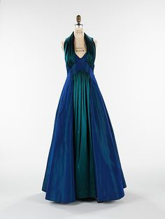"The Metropolitan Museum of Art - ""The Styx"" Elizabeth Hawes (American, Date: fall/winter 1936 Culture: American Medium: silk Front Dress 1930s Fashion, Retro Fashion, High Fashion, Vintage Fashion, Vintage Gowns, Vintage Outfits, Vintage Clothing, Beautiful Gowns, Beautiful Outfits"