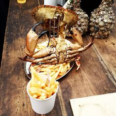 London Pop-ups: The Magic Roundabout on Old Street with Burger Bear & Prawnography - Daily