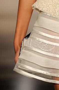 Detalhes // Acquastudio por Esther Bauman, SPFW, Verão 2014 RTW // Foto 34 // Desfiles // FFW Ideias Fashion, Sequin Skirt, Shoulder Dress, Sequins, Studio, Skirts, Dresses, Pictures, Vestidos