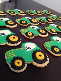 Tractor sugar cookies for a little boys bday party! Tractor Cookies, Farm Cookies, Crazy Cookies, Cute Cookies, Sugar Cookies, 2nd Birthday Party Themes, Second Birthday Ideas, Tractor Birthday, Farm Birthday