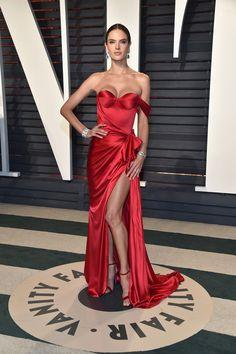 Alessandra Ambrosio in Ralph & Russo   2017 Vanity Fair Oscar Party