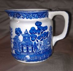ANTIQUE BUFFALO POTTERY BLUE WILLOW SYRUP PITCHER 1910
