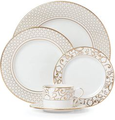 Exquisite Venetian Lace Gold Dinnerware from Lenox creates a formal tablescape of sophisticated elegance. Graceful lattice and floral patterns in stunning gold on pure white bone china boast timeless, luxurious style. Art Nouveau, Art Deco, Casual Dinnerware, Dinnerware Sets, China Dinnerware, Vincent Van Gogh, White Bodies, Lace Patterns, Deco Table