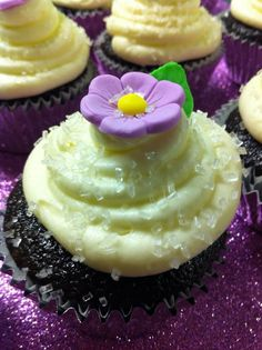 Blackberry and Champagne Cupcakes with Cream Cheese Frosting