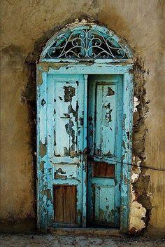 Fabulous door old door cracks turquise blue curve weathered beauty aged curve details ornaments photo Les Doors, Windows And Doors, Front Doors, Cool Doors, Unique Doors, When One Door Closes, Knobs And Knockers, Vintage Doors, Peeling Paint
