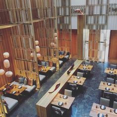 This stellar collection of restaurants and bars embodies world-class dining experiences and lively social venues, bringing the best of the world to the heart of Seoul. In the heart of Seoul comes a co Japanese Restaurant Interior, Cafe Interior, Chinese Restaurant, Cafe Bar, Industrial House, Vintage Industrial, Industrial Style, Restaurant Lounge, Four Seasons Hotel