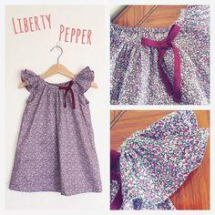 "Although it's becoming Fall,I made a summery frill sleeves dress with Liberty print ""Pepper"" size 12mo.  もう秋ですが、フリル袖ブラウスをアレンジしてリバティ「ペッパー」でワンピースを作りました。サイズは80cmです。"