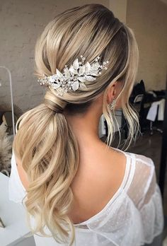 30 Pony Tail Hairstyles Wedding Party Perfect Ideas ❤ pony tail hairstyles elegant textured blonde with accessorie leaves flower pin hair_vera hair ponytail 24 Pony Tail Hairstyles Wedding Party Perfect Ideas Loose Hairstyles, Elegant Hairstyles, Bride Hairstyles, Pretty Hairstyles, Wedding Ponytail Hairstyles, Matric Dance Hairstyles, Flower Hairstyles, Black Women Hairstyles, Bridal Ponytail