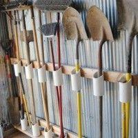 Как организовать хранение садово-огородного инвентаря на даче