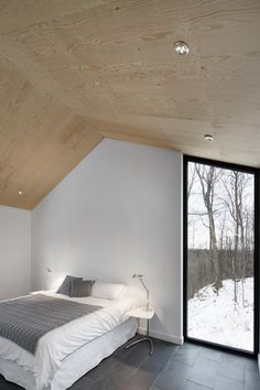 _naturehumaine   Bolton Residence Looking for similar bedding (or solid wood low beds)? Try http://www.naturalbedcompany.co.uk/shop/bedding/linen-bedding/