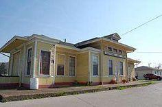 Chesapeake & Ohio Depot, St. Albans call 304-727-3084