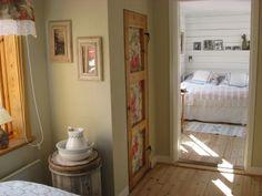 Hall in mot sovrum