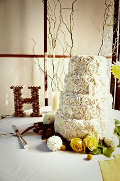 Rustic wedding cake-Cork letter-Rose wedding cake