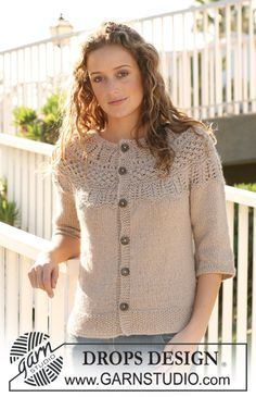 """DROPS jacket with raglan sleeves and ¾ pattern at the yoke in """"Silke Alpaca"""". S to XXXL. ~ DROPS Design Super cute, fast knit and free to boot! Knitting Designs, Knitting Patterns Free, Knit Patterns, Free Knitting, Free Pattern, Drops Design, Knit Cardigan Pattern, Alpacas, Knit Jacket"""