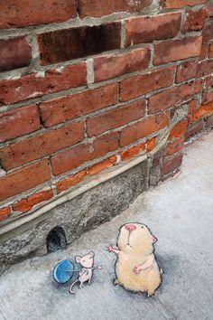 Temporary but preserved: chalk art by David Zinn Murals Street Art, Street Wall Art, Street Art Graffiti, David Zinn, Chalk Artist, 3d Chalk Art, Art 3d, Pavement Art, Urbane Kunst