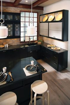 Our new kitchen will also be black with dark countertops. We will get a white backsplash, and light coloured wall cabinets, LOVE!