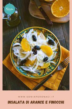 Un contorno fresco, saporito, energizzante e leggero? Ecco dal mio ricettario l'#insalata di #arance e #finocchi, una meraviglia da vedere e da assaporare tutta siciliana! Si chiama orangette l'emulsione di olio, succo di arancia e sale; mentre con il termine citronette, si intende un emulsione di succo di limone, olio e sale. Esiste anche la vinaigrette che invece è un emulsione di aceto di vino, olio e sale. Best Italian Recipes, Favorite Recipes, Recipe Boards, Vinaigrette, Allrecipes, Vegan Vegetarian, Camembert Cheese, Good Food, Dairy