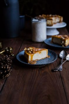 Banánový cheesecake so slaným karamelom - The Story of a Cake Cheesecake Trifle, Banana Cheesecake, Cheesecake Recipes, Dessert Recipes, Desserts, Healthy Cookies, Cheesecakes, Winter Wonderland, Caramel