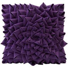 Dekorujeme: Netradiční kombinace fialové a černé