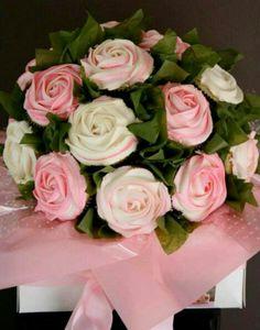 2 tone rose bouquet cupcakes