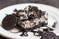 Frozen Cookies and Cream Brownie Dessert | The Recipe Critic