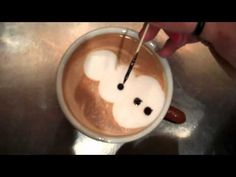 VIDEO: How To Make Christmas Latte Art? what a fun way to entertain guests on Christmas? Coffee Latte Art, Coffee Barista, Coffee Menu, Coffee Cafe, Coffee Drinks, Chocolate Recipes, Hot Chocolate, Coffee Artwork, Cafe Art
