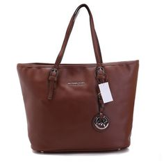 Michael Kors Outlet!Most bags are less lan $65,Unbelievable.... | See more about hand bags, michael kors outlet and michael kors. | See more about hand bags, michael kors outlet and michael kors.