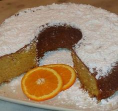 Κοινοποιήστε στο Facebook Το πιό τέλειο μοσχομυριστό κέικ που θα έχετε φάει !!! Υλικά 1 ποτήρι του νερού λάδι καλαμποκέλαιο 1 ποτήρι του νερού ζάχαρη 1 πορτοκάλι ολόκληροπλυμένο καλά και περασμένο στο μούλτι πολτοποιημένο 2 αυγά 1 και 1/2 ποτήρι...