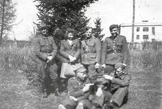 """Żołnierze z oddziału Leona Taraszkiewicza """"Jastrzębia""""."""