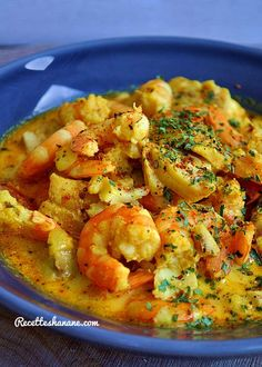 Coconut shrimp - Shrimp curry (Hanane recipes) - I really like Indian cuisine, these flavors, these colors and all those tastes that make the taste - Healthy Gluten Free Recipes, Healthy Pasta Recipes, Vegetarian Recipes, Thai Curry Recipes, Shrimp Recipes For Dinner, Vegetarian Curry, India Food, International Recipes, Indian Food Recipes
